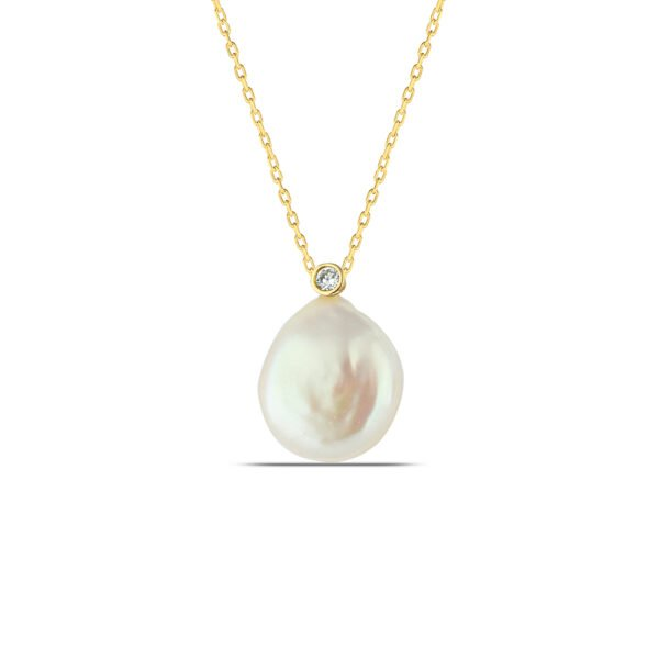 Pearl Necklace in Gold